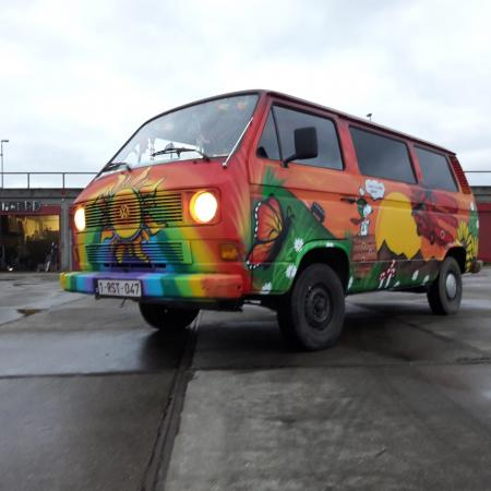 Manfred the hippiebus