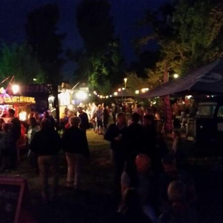 Foodtruck festival by night