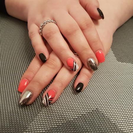Zomerse chrome nailart