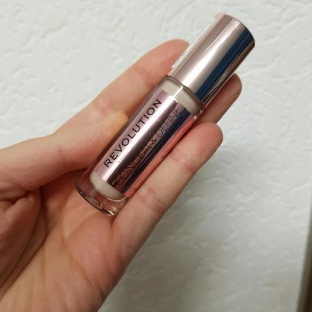 Make up revolution concealer