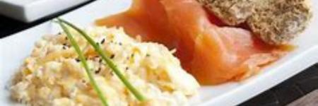 Weight Watchers; roerei met bieslook en gerookte zalm